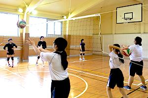 バレーボール部の練習