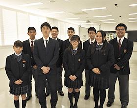 生徒会の皆さんと谷中祐輝先生