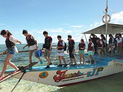 週末のアクティビティ。ボートでカオハガン島へ。
