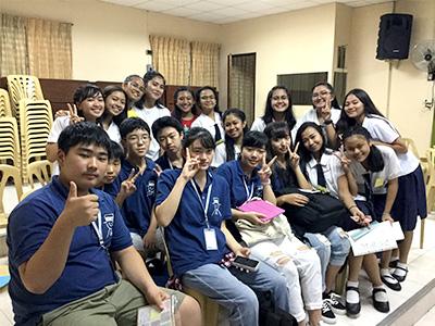 終盤の現地校との交流では「東京オリンピックを見に行くね」「その時会おうね。待ってるね」との約束を涙ながらに交わしていたという生徒たち。