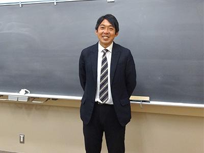 お話をうかがったSGクラス担任の渋沢先生
