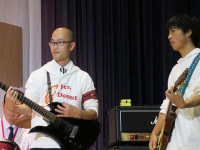 先生方はギター