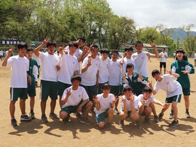 試合直後の6組の生徒たち。