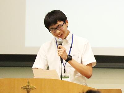 122年の歴史をもつ京華の、生徒一人ひとりを把握し褒めてくれる面倒見の良さを伝えてくれた中学3年のOくん。