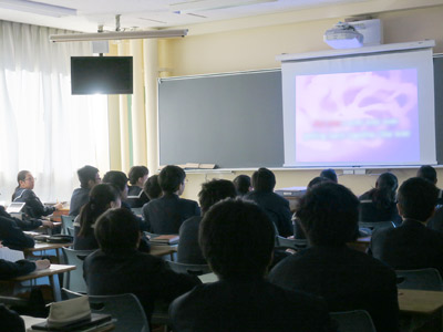 英語の授業風景の写真