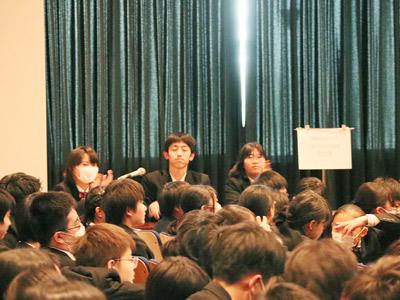 探究ゼミ発表会の運営を担当する生徒たち