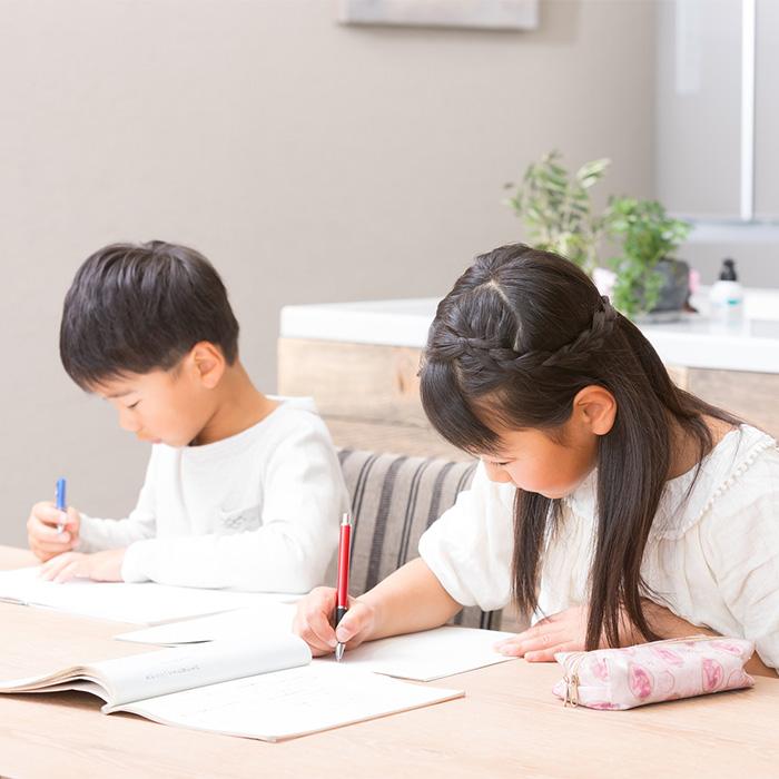 「中学受験生の勉強時間はどのくらい?」記事サムネイル