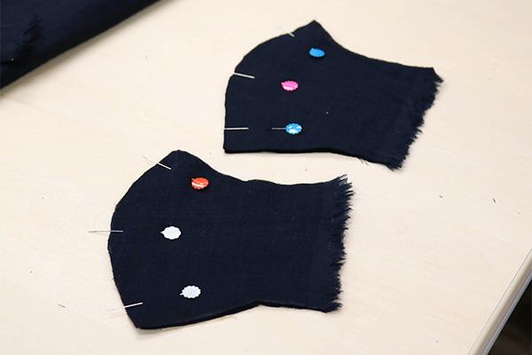 2枚重ねの扇型が組。合計4枚の布を使います。