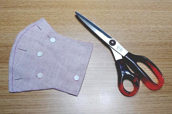 縫いしろを広めにするイメージです。