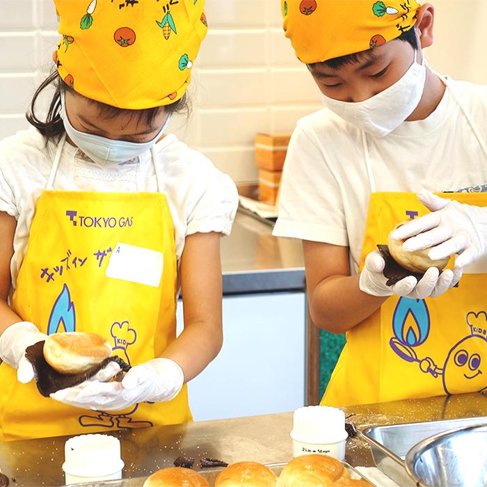 「春休みの思い出は家族一緒のメロンパン作り〜家族料理教室リポート〜」記事サムネイル