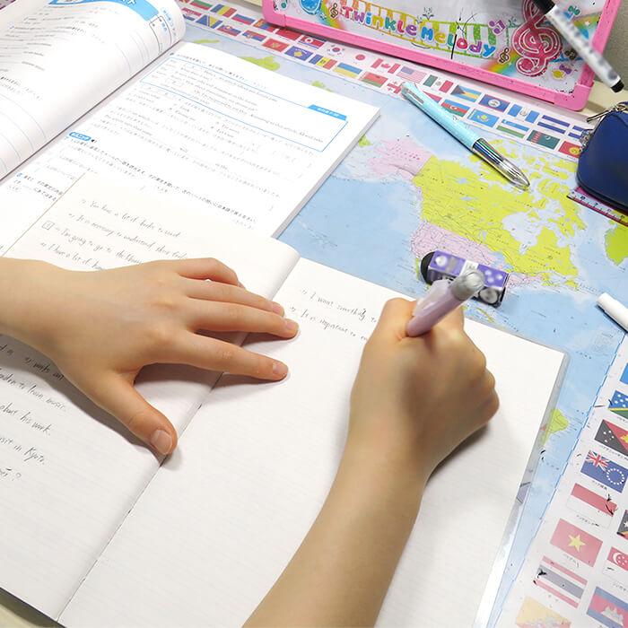 「中学での対面授業が始まってから1年。1時間かかる通学でも私立に入って良かった!」記事サムネイル