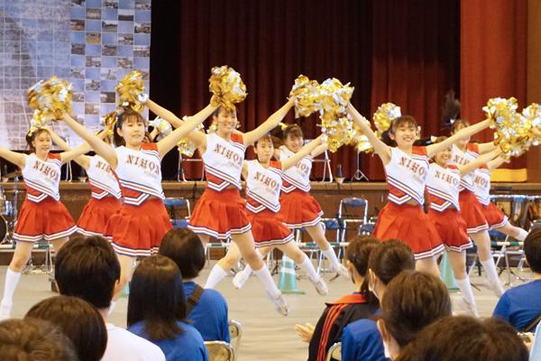 迫力あるダンスパフォーマンスは見る人を元気にさせてくれる力があります。