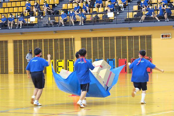 八王子学園の中学校運動会の変わった種目「運送屋さん」