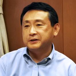 英語教諭 坂井健先生